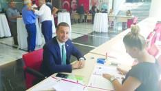 Ahmet Akın milletvekilli aday adaylığı başvurusunu yaptı