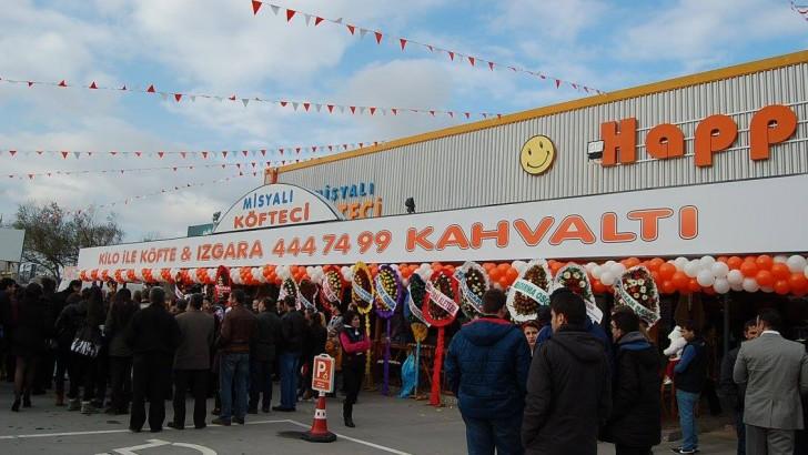 Misyalı Köfteci Bandırma'da törenle açıldı