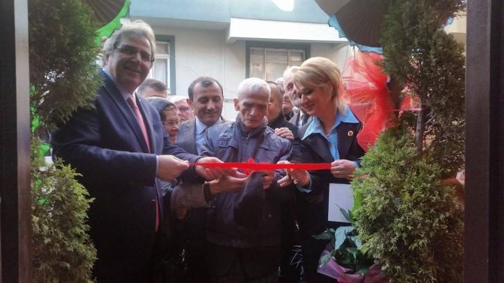 Mahalle Muhtarı Nur Hancıoğlu yeni hizmet binası açılışını yaptı