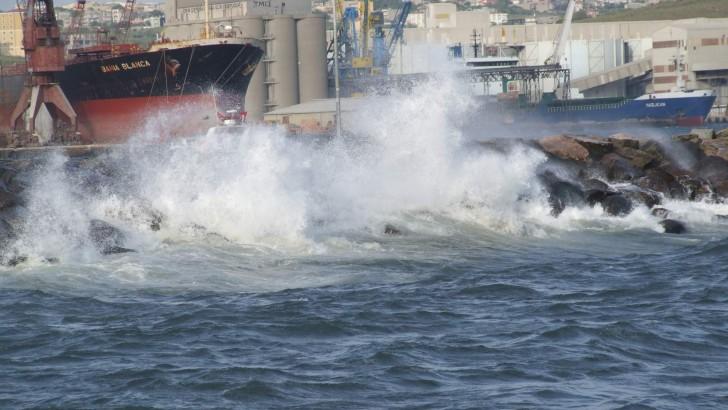 Fırtına Marmara'yı Vurdu