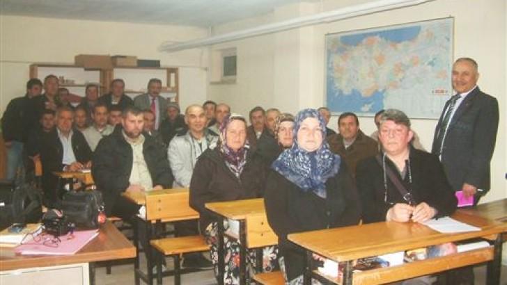 Burhaniye'de Arıcılık Kurslarına Kadın İlgisi