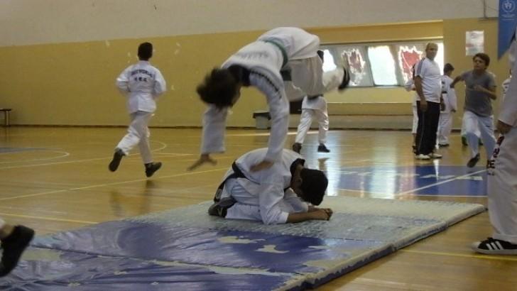 Burhaniye de Amatör Spor Haftası Töreni Şölene Dönüştü