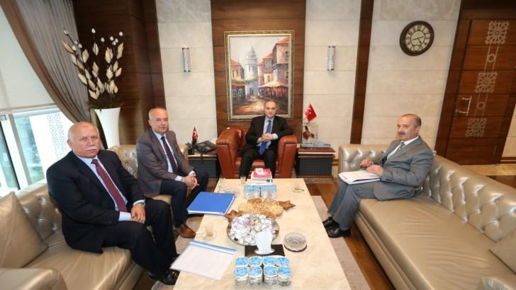 Sanayi Bakanı Özlü'den Dursunbey'e OSB Müjdesi