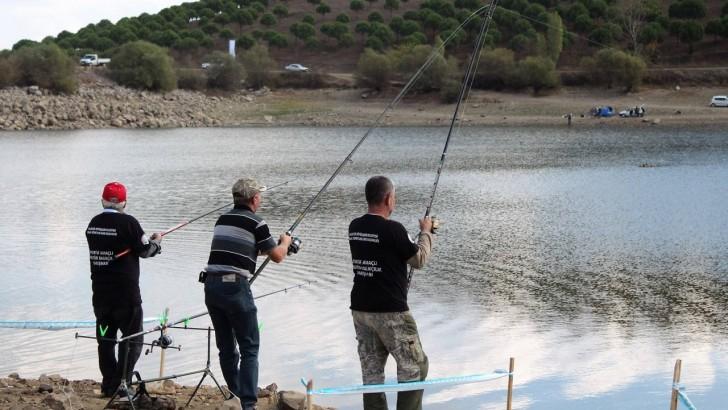 Büyükşehirden Amatör Balıkçılığa Destek