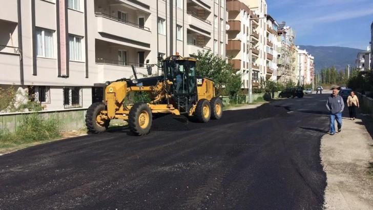 Edremit Belediyesi Asfalt Ekibi Görev Başında