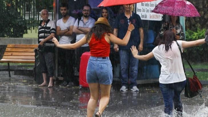 Meteorolojiden Ege'de  Fırtına ve Yağmur Uyarısı
