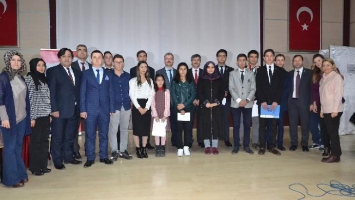 Karesi'de Öğrenciler Meclis Başkanını Seçti