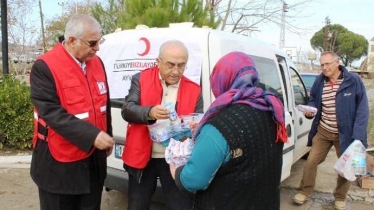 Türk Kızılayı Afetzedelerin Yanında