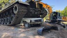 Türkiye'de Bir İlk Darbenin Temsili Tanklı Anıt Sındırgı'ya Yapılıyor
