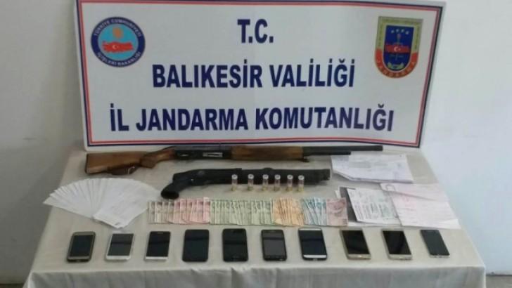 Balıkesir'de Dolandırıcılık Suç Örgütü Çökertildi