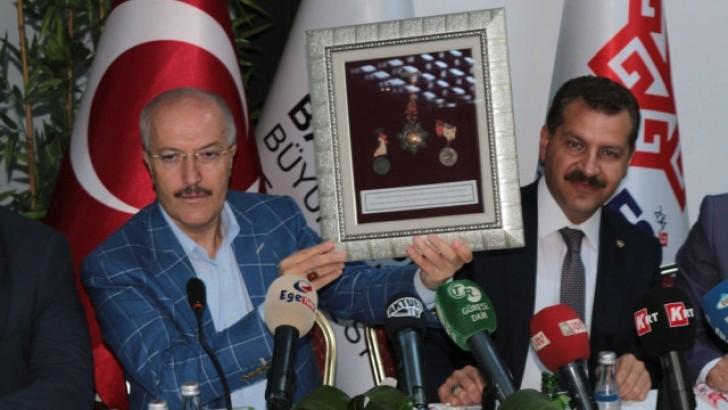 Kurtdereli Mehmet Pehlivana Padişahların Verdiği Madalyalar Bulundu