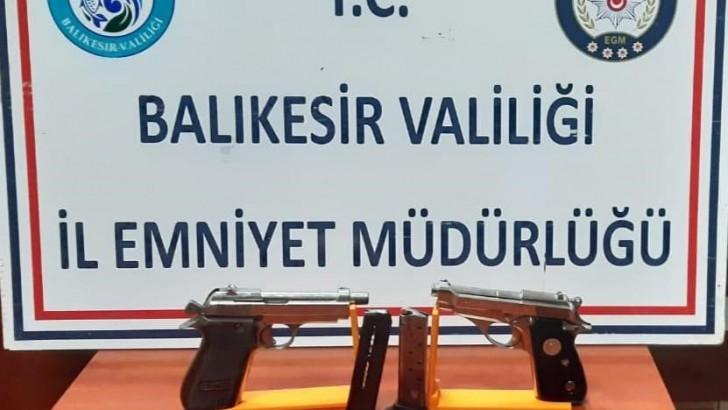 Balıkesir'de Silah ve Uyuşturucu Operasyonları Devam Ediyor